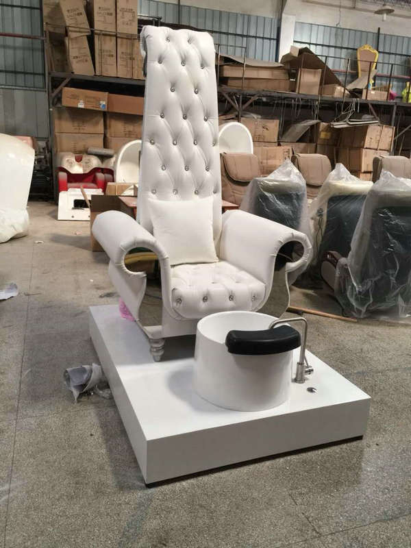 White King Queen throne station spa pedicure chair with basin
